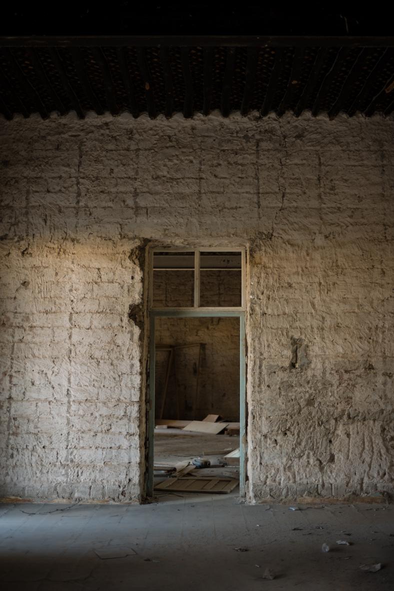 180415_Meem_AbandonedHospital_0007